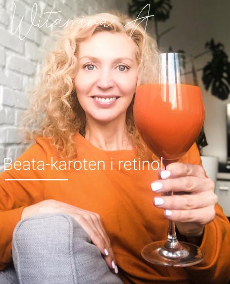 Kobieta ze szklanką soku z marchwi